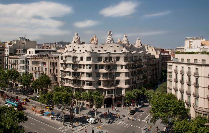 La pedrera paseo de gracia de barcelona - Casa mila la pedrera ...