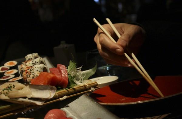 Entrevista a roger ortu o comerjapones en el restaurante - Restaurantes passeig de gracia ...