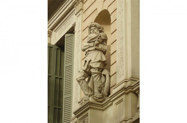 Balcones-diplomaticos-en-el-Paseo-de-Gracia1