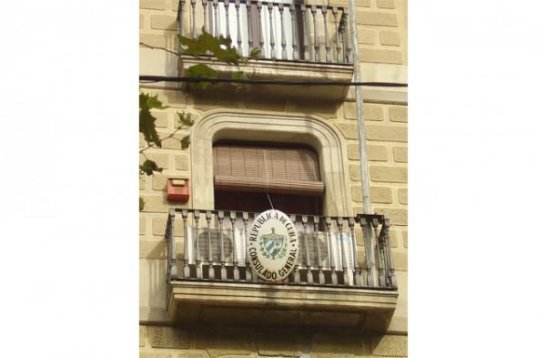 Balcones-diplomaticos-en-el-Paseo-de-Gracia4
