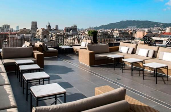 a-vista-de-hotel-barcelona-terrazas-verano-paseo-de-gracia-majestic-hotel