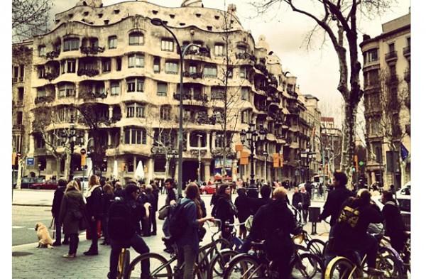paseo-de-gracia-en-bicicleta-barcelona-moverse-por-la-ciudad-1