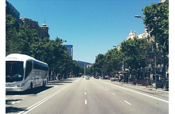 paseo-de-gracia-en-bicicleta-barcelona-moverse-por-la-ciudad-2