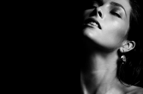 Beatriz-Fabres-pulso-ornamental-joyas-edito-paseo-de-gracia-3