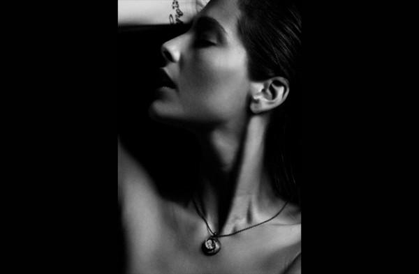 Beatriz-Fabres-pulso-ornamental-joyas-edito-paseo-de-gracia-6