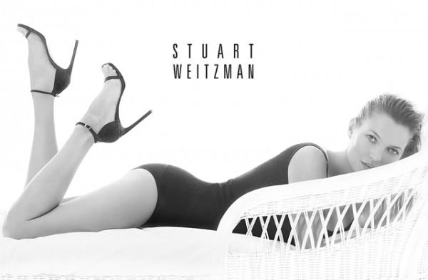 Kate-Moss-Stuart-Weitzman-primavera-verano-zapatos-paseo-de-gracia-2