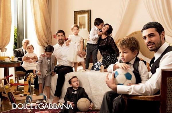 familia-dolce-gabbana-primavera-verano-coleccion-2014-paseo-de-gracia-4