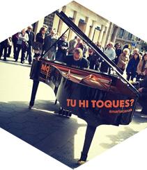 Piano busca pianista
