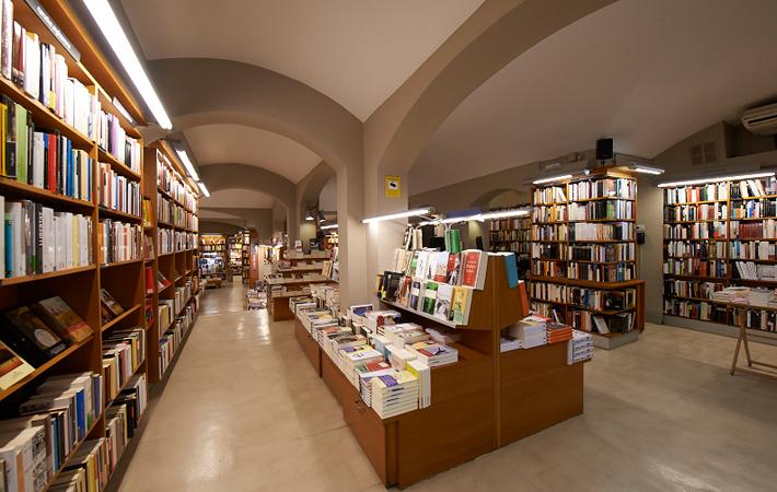 laie-libreria-paseo-de-gracia-barcelona-1