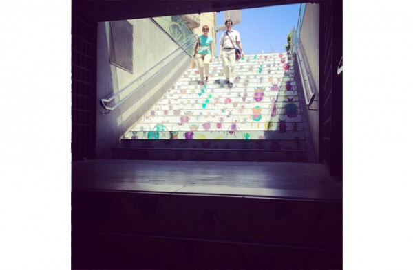 swab-stairs-2014-jovenes-estudiantes-disenan-escaleras-metro-barcelona-3