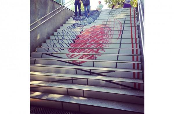 swab-stairs-2014-jovenes-estudiantes-disenan-escaleras-metro-barcelona-5
