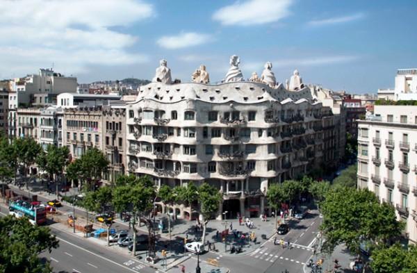 eixample-barcelona-inspira-paseo-de-gracia-la-pedrera-5
