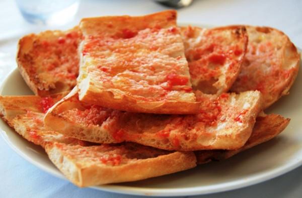 sopar-pa-amb-tomaquet-a-passeig-de-gracia-1