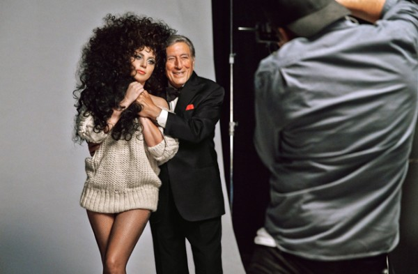 lady-gaga-and-tony-bennett-for-hm-christmas-1