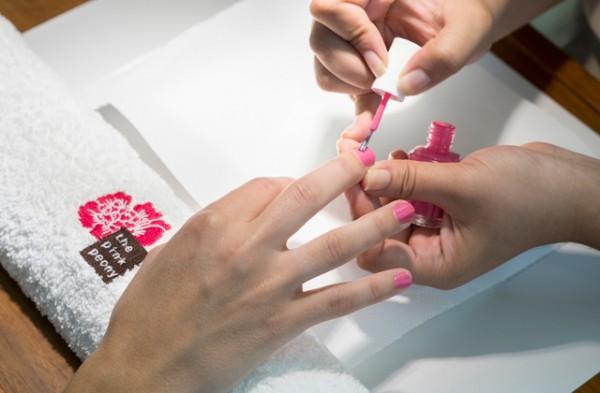manicura-the-pink-peony-cancer-mama-paseo-de-gracia-2