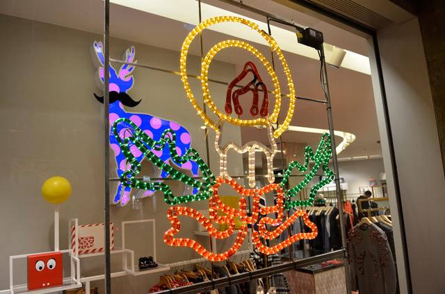 escaparate navidad paseo de gracia stella mccartney 1 El Nadal a través dun vidre