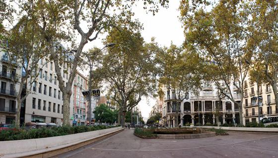 google-pac-man-barcelona-jardinets-gracia2