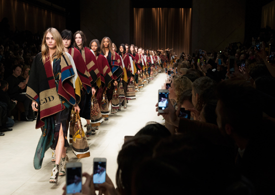Burberry-Prorsum-Womenswear-Autumn_Winter-2014-Show-Final_001