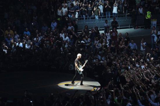 us2 Bono, vete ya