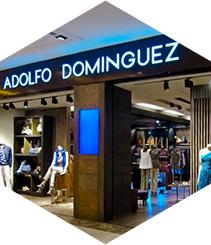 Adolfo Domínguez ven l'edifici de Passeig de Gràcia