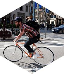 Ciclistas y semáforos: historia de un desencuentro