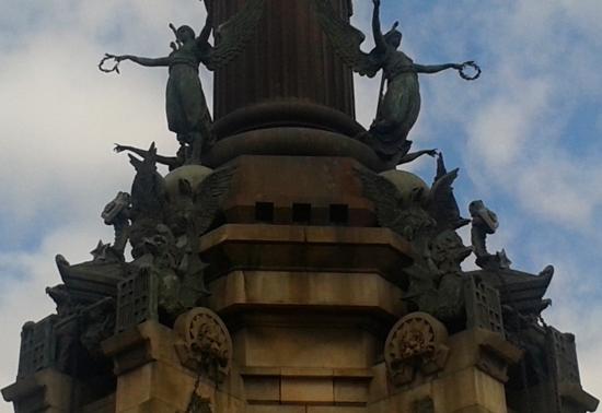 bo30 Colón, monumento y enigma