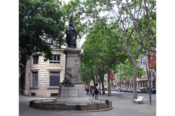 10 Arte público en la Barcelona Franquista