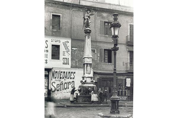 4 Arte público en la Barcelona Franquista