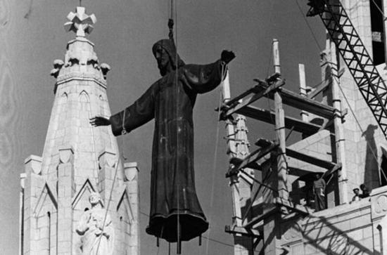 7 Arte público en la Barcelona Franquista