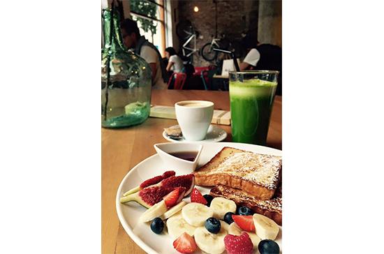 oma ¿Desayunar o almorzar?