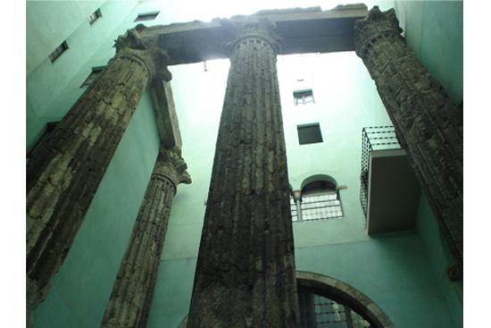2 Ciutat Vella: de vieja colonia romana a epicentro turístico