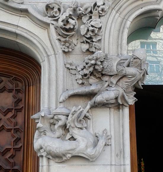 4 ¿Quién fue Sant Jordi? Los monumentos de Barcelona te lo recuerdan