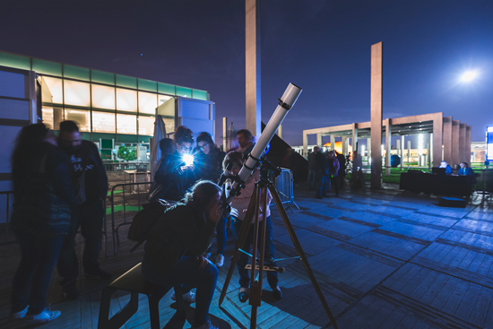 Observacion-astronomica-paseo-de-gracia