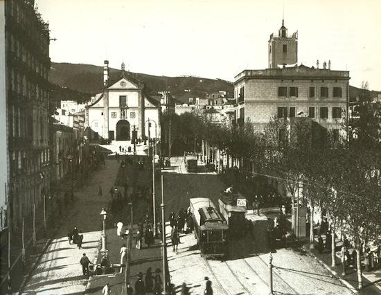 17 Un recorrido por los distintos barrios de Gràcia
