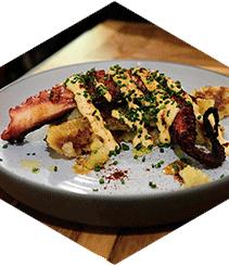 """""""Tiro al plato"""": Bar Omar, el señor de los platillos"""