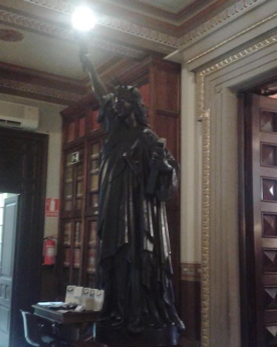 61 Barcelona también tiene una estatua de la libertad