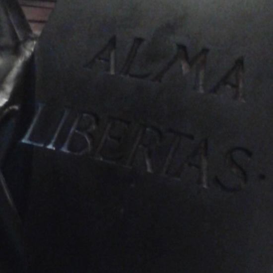 71 Barcelona también tiene una estatua de la libertad