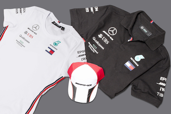 NdP Cars Barcelona abre por primera vez una pop up store de productos exclusivos de Mercedes Benz en Espaaa1 Mercedes Benz abre pop up store en el Gótico por Sant Jordi