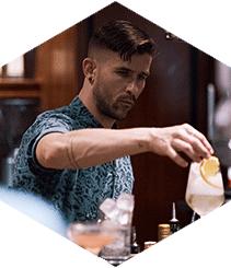 La coctelería neoyorkina Dear Irving quiere que te sientas como en casa